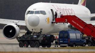 Húsz évet kapott a titokzatos etióp gépeltérítő pilóta