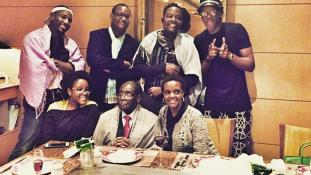 Mugabénak gondjai vannak a fiai nevelésével