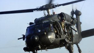 Tunézia előbb kapja meg a Black Hawk helikoptereket az USA-tól