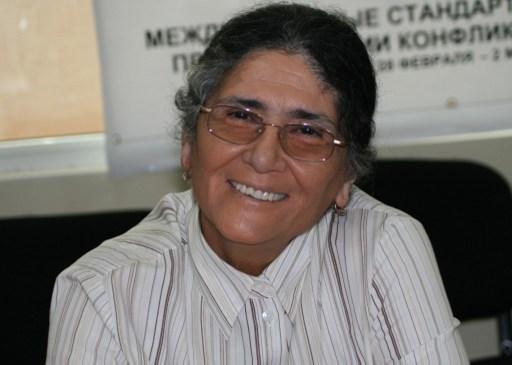 Oinikhol Bobonazarova, aki először jelöltette magát, de nem kapott elég aláírást.