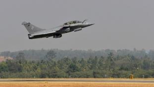 India 36 vadászgépet vesz Franciaországtól, de a többit maga gyártaná