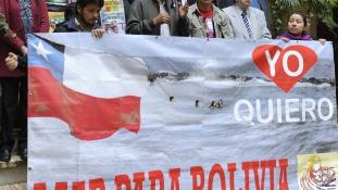 Tengertánc: kihívó kitűzője miatt menesztették a minisztert