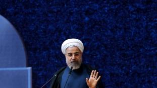 Washington nem enged – Fokozatosan oldják fel a Teherán elleni szankciókat