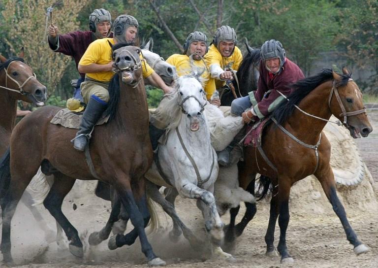A kirgizeket elhagyta a szerencse-de ők akarták így