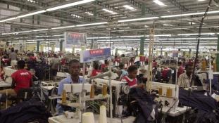 Így kell lenyomni az ázsiai textilipart!