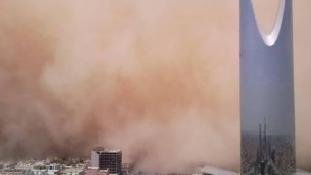 Így csapott le homokvihar (galéria)