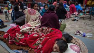 Egymillió gyerek veszélyben Nepálban