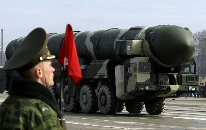 Az USA és Izrael bírálta Moszkvát az iráni rakétaszállítás miatt + Izrael jobb atomegyezmény szeretne Iránnal, Kerry inkább a zsidóságot győzködi
