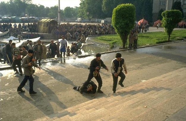 Harcok Dusanbéban 1992-ben.
