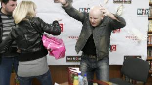 Oroszbarát újságírót lőttek le Kijevben