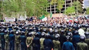 Iráni tüntetők ostromolták meg a szaúdi nagykövetséget