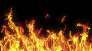 Felgyújtotta magát egy megerőszakolt 14 éves lány