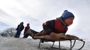 Illegális ovikban tanítják a Koránra a kirgiz gyerekeket