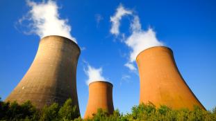 A kormány vállalja a nukleáris iparral járó rizikót