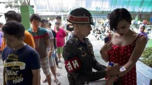 Gyönyörű katonák: sorozáson a transzneműek