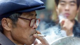 Dupla adót kell kiköhögnie a dohányiparnak