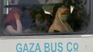 """Netanjahu leállította az """"apartheid-buszokat"""""""