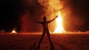 Az Égő Ember fesztiválja- egy módfelett furcsa kiállítás képei