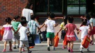 Megdöbbentő összefüggések a szülők jövedelme és gyermekeik testi, lelki fejlettsége között