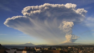Chile: ötezer embert űz el otthonából a Calbuco