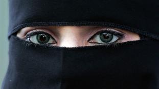 Betiltották a nők arcát eltakaró öltözéket a Kongói Köztársaságban