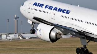 Majdnem hegynek csapódott az Air France egyik járata Afrikában