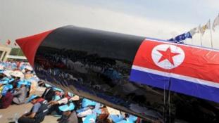Észak-koreai nukleáris robbanófejek iráni segítséggel ?