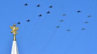 Egy perc néma csönd Moszkvában-A Győzelem napi ünnepség képei