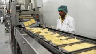 Mi van a tésztában? Bajban a Nestlé Indiában
