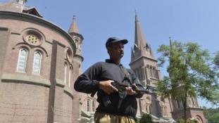 Felkötik-e az ártatlan keresztény vízvezetékszerelő-segédet Pakisztánban?
