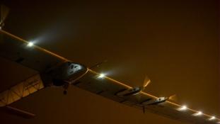 A rekord elmarad: nem vág neki a Csendes óceánnak a napelemes repülőgép