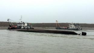 Még életben lehetnek az elsüllyedt kínai hajó utasai a víz alatt