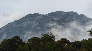 Megint hegymászókat sújtott a földrengés