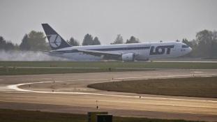 Ryanair: kényszerleszállás Varsóban