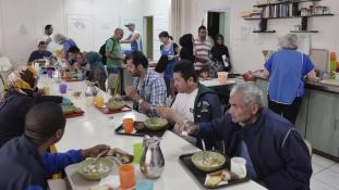 Elöntik a menekültek Görögországot