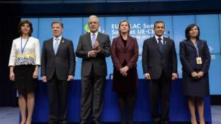 CELAC-EU-csúcs: Venezueláért protestáltak, Kolumbiát támogatták