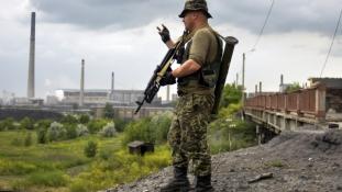 Mindenki a másikra mutogat: egyre több a halott Kelet-Ukrajnában