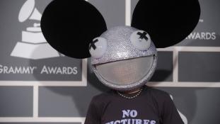 Deadmau5 mégis hordhatja az egérálarcot