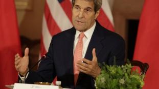 Kerry: a fegyverembargó iráni megsértése nem állítja vissza automatikusan a szankciókat