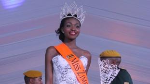 Ezekért a képekért fosztották meg koronájától Miss. Zimbabwét (+18)