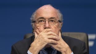 CR7 és a 80 felé közelítő Blatter ugyanazt a hölgyet szerette?