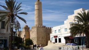 Letartóztatási hullám Tunéziában. Háttéremberek
