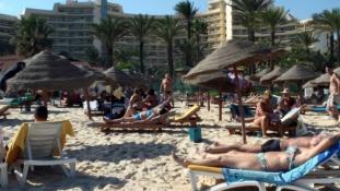 Menekítik a szlovák turistákat Tunéziából