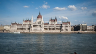 Guradian lists Budapest among top summer destinations