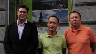Laoszi légügyi delegáció Budapesten