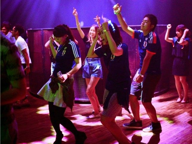 japan-dance-club-AFP-640x480