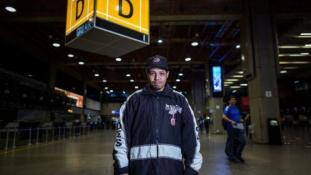 Mostohája elől menekült 15 éve a reptérre – azóta ott él