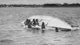 Nyolc napon át hánykolódtak a tengeren – Túlélték