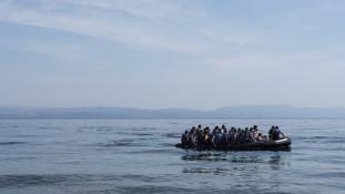 18 évet kapott a több száz menekült halálát okozó embercsempész