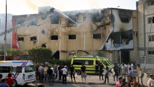 Leégett egy bútorgyár Egyiptomban